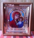 Киот с иконой Богородицы (Казанская) - орех