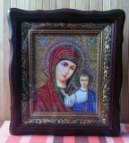 Киот фигурный с иконой Богородицы (Казанская)